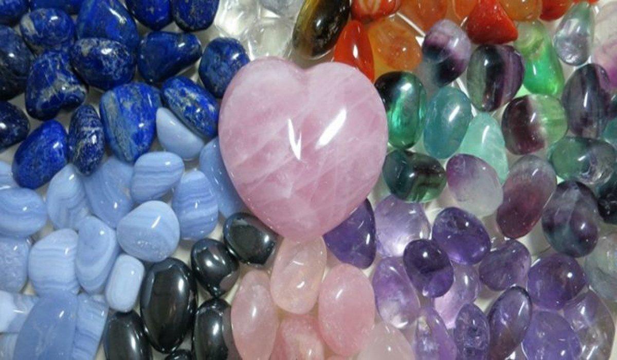 4 Potenti Cristalli Curativi che Tutti Devono Avere