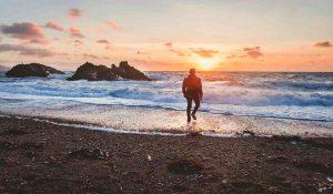 10 Principi di Saggezza Spirituale per Aiutarti nei Momenti Difficili